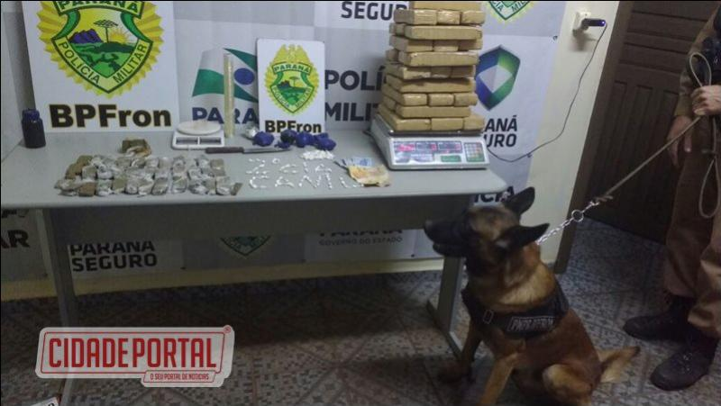 Policiais do BPFRON prenderam um homem com maconha e cocaína em Guaíra