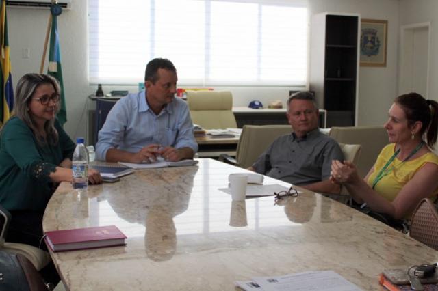 Pedro Coelho recebe prefeito de Janiópolis para debater possível parceria em atendimento no setor da Saúde