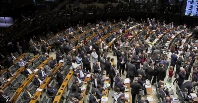 Deputados do PMDB que votaram contra Temer dizem não crer em punição