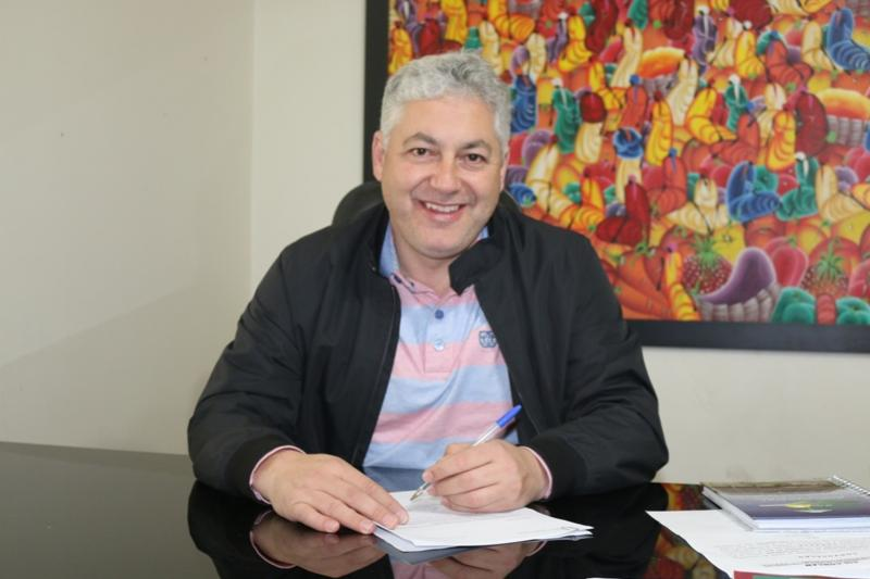 Aplicativo de apoio ao consumidor  possui leis estaduais de Douglas Fabrício