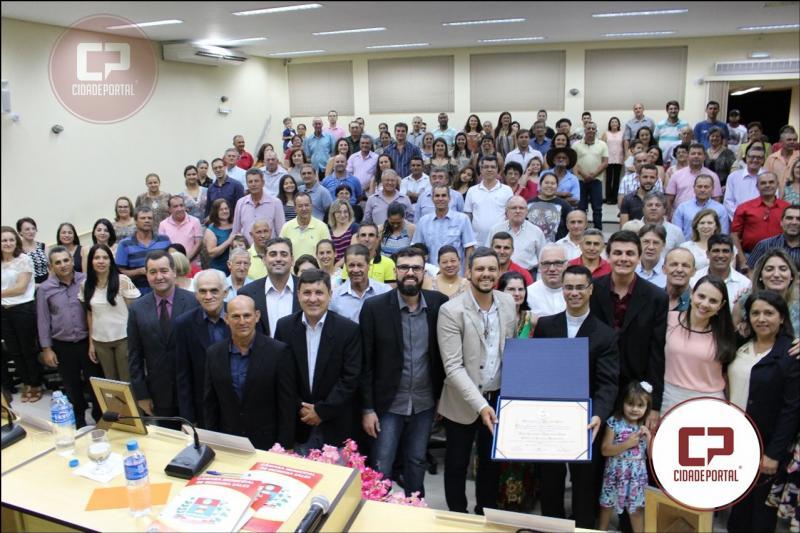 Padre Lussamir recebeu título de CIDADÃO HONORÁRIO da Cidade de Moreira Sales nesta terça-feira, 12