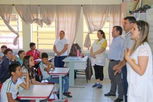 Prefeito Tauillo Tezelli fala sobre a administração pública em escolas