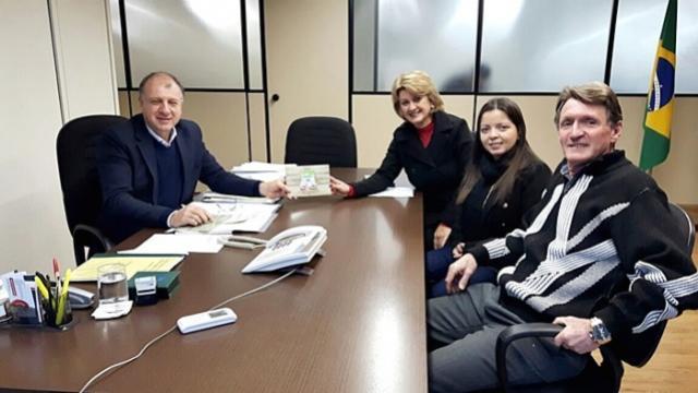 Prefeita de Farol realiza visita a Secretaria de Desenvolvimento Urbano