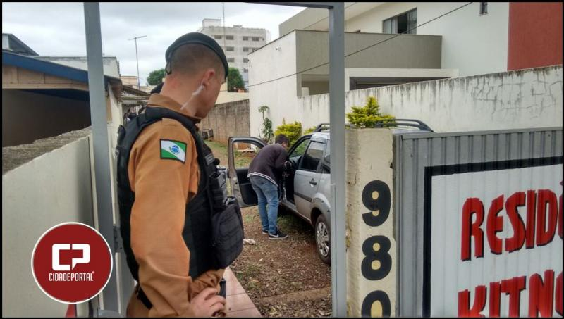 Polícia Militar recupera veículo roubado de taxista ontem em Campo Mourão.