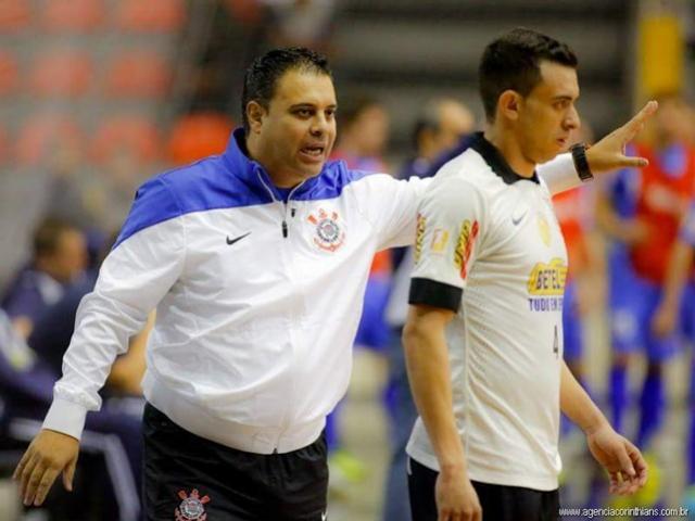 Chave ouro: Ex-Corinthians e campeão da Copa América com a Seleção Brasileira é o novo técnico da ACMF