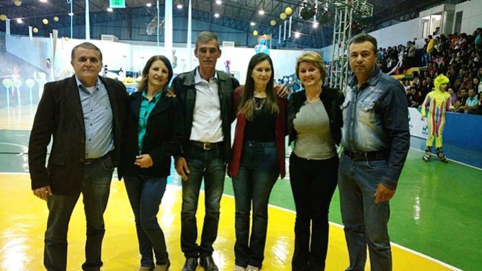 Prefeita de Farol prestigia abertura dos Jogos Abertos do Paraná em Roncador