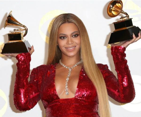 Mesmo faturando R$349 mi em 2016, Beyoncé perde posto de celebridade mais bem paga