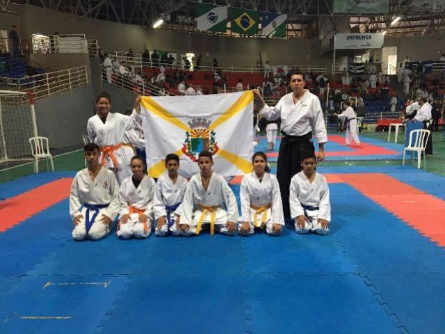 Farol participou da segunda etapa do campeonato Paranaense de karatê em Guarapuava