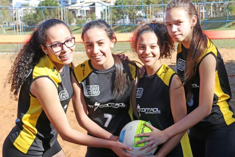 Definidos campeões do vôlei de praia nos Jogos Escolares em Campo Mourão