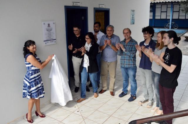 Unespar inaugura laboratórios de línguas do Paraná Fala Inglês
