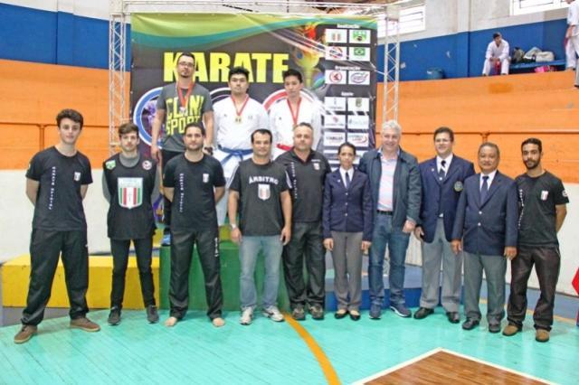 Campo Mourão domina o Regional de Karate