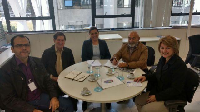 Prefeita de Farol viaja a Curitiba e participa de reunião na Secretaria de Planejamento