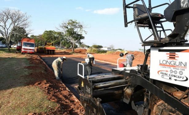 Pavimentação da Parigot de Souza entra na reta final