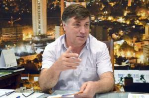 Pozzobom consegue R$ 2 milhões em  emendas para obras e compra de máquinas