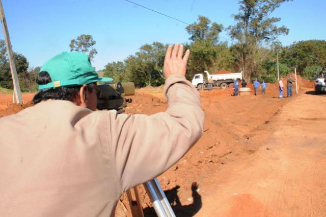 Prefeitura inicia pavimentação de trecho na marginal da PR-323