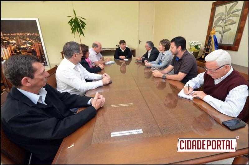 Prefeitura será parceira da Aciu na  decoração da cidade para o Natal