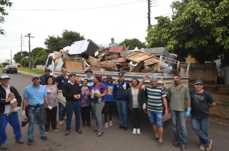 Bairro Limpo recolhe mais de 15 toneladas de resíduos na região da Praça Anchieta