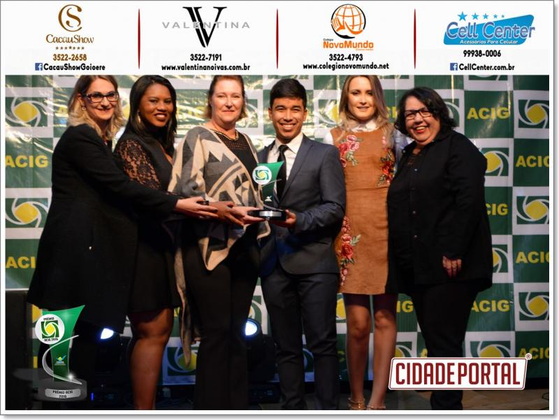 EAD-Unicesumar Polo Goioerê recebe reconhecimento de  melhores do ano no prêmio Acig-2016 em ensino superior a distância