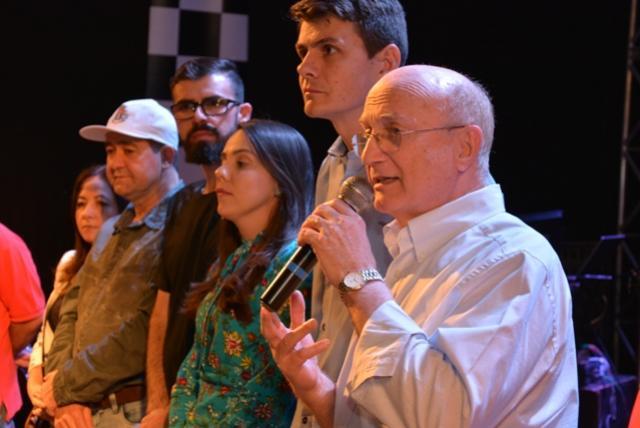 Deputado Federal Dr. Osmar Serraglio assina ordem de serviço de R$243 mil para pavimentação asfáltica
