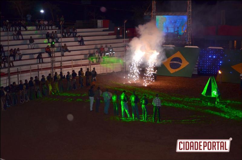 COMEÇOU:Expobira 2017 teve início com grandes atrações e show com André Valadão