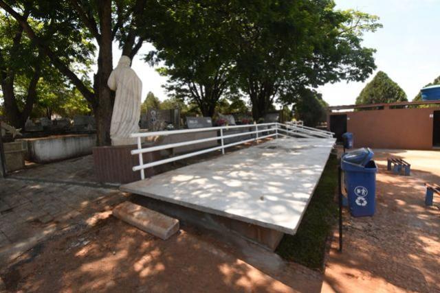 Cemitério tem prazo para serviços até o Dia de Finados