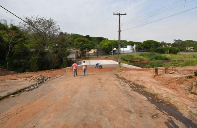 Ponte do Jardim Petrópolis receberá asfalto na próxima semana
