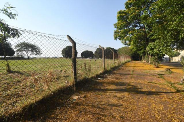 Pozzobom reivindica ao governo federal doação do terreno do antigo IBC