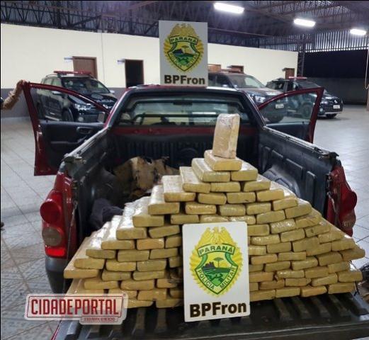Policiais do BPFRON recuperaram automóvel roubado, carregado com 100 kg de maconha.