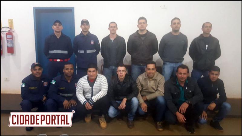 Corpo de Bombeiros Comunitários de Ubiratã recebem novos integrantes