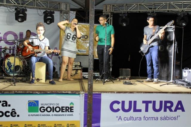 Músicos e Cantores Goioerenses foram destaque no Show de Talentos do Mega Feirão MEI