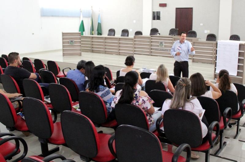 Servidores Municipais participam de capacitação visando promover a economia local