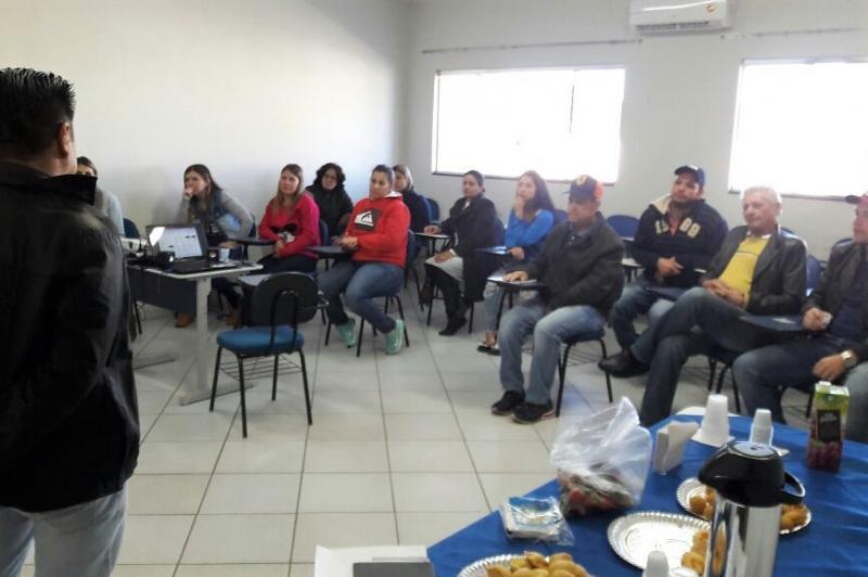 Secretária da Indústria, Comércio de Turismo desenvolve curso no setor de Cultivo de Hortaliças