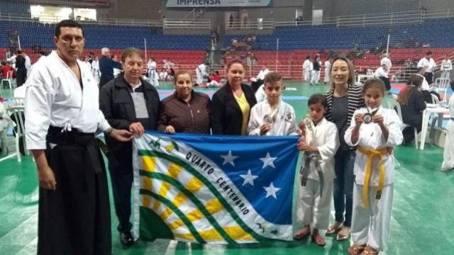Quarto Centenário brilha na II Etapa do XXVIII Campeonato Paranaense de Karatê Tradicional em Guarapuava