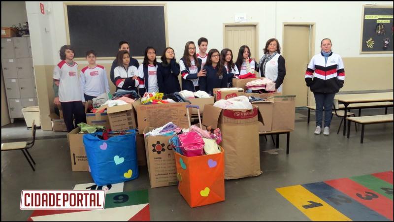 Olimpíada Solidária do Colégio Século XXI arrecada 1.200 peças de roupas de inverno