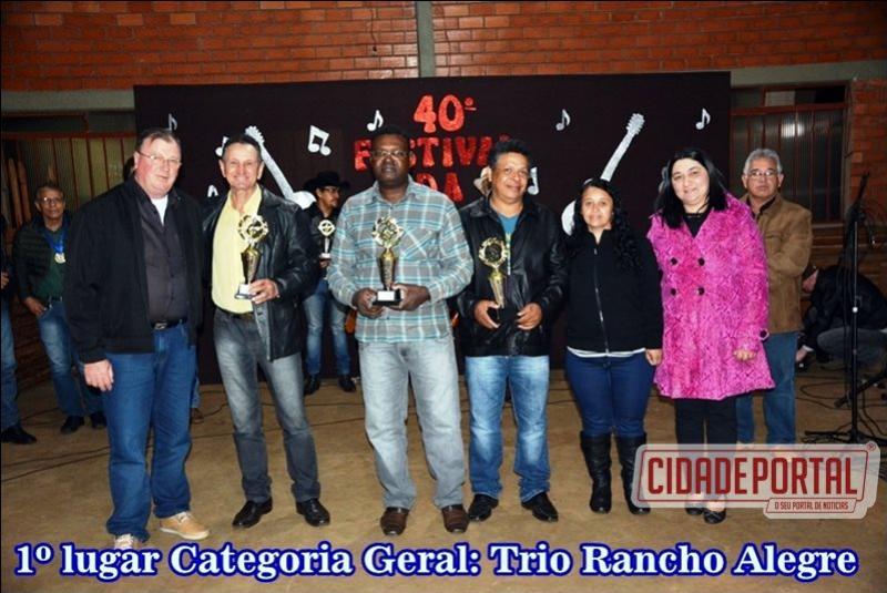 Trio Rancho Alegre é campeão da 2ª eliminatória do Festival da Viola na Comunidade Canjarana