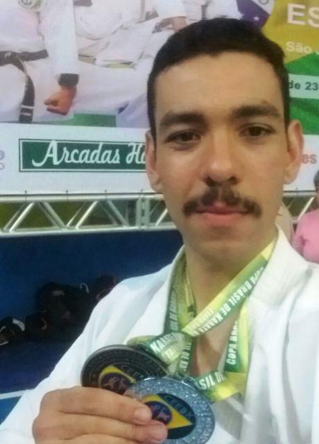 Policial militar de Quarto Centenário é medalhista da Copa Brasil de Karatê esportivo
