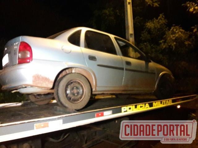 Policiais Militares recuperam veículo roubado em Campo Mourão