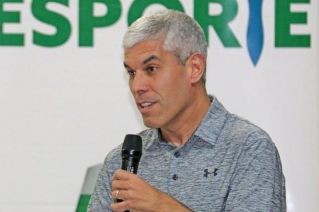 Pentacampeão do Mundo apresenta Projeto Esportivo em Campo Mourão