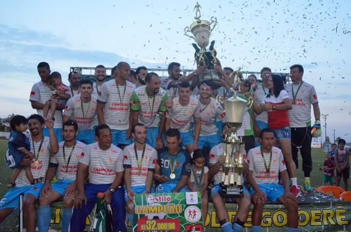 Tuneiras faz a festa para comemorar Título do Futebol Amador