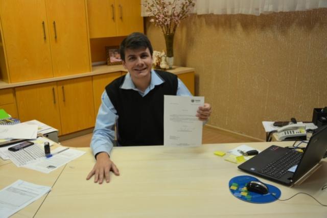 Prefeito Rafael Bolacha assina termo de Homologação para licitação de Restaurante Comunitário