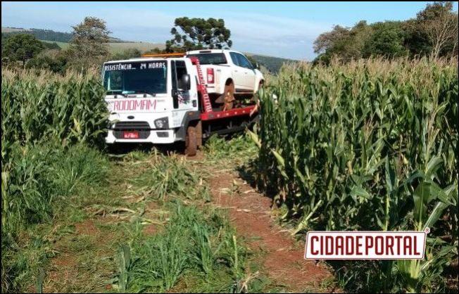 Polícia Militar do destacamento de Mamborê recupera caminhonete em plantação de milho com queixa de roubo
