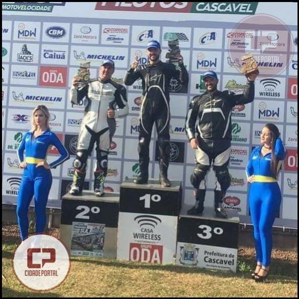 Jovem piloto de Ubiratã,  Alex kuster Campos, vem se destacando na Copa Paraná Sul de moto-velocidade