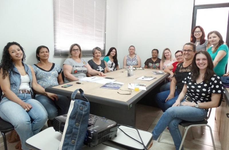 Reestruturação: equipe da Casa Lar recebe capacitação