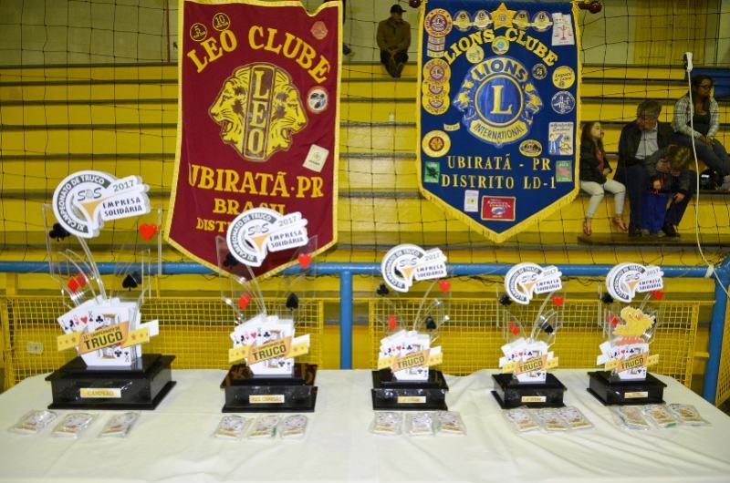 SOLIDARIEDADE:  Teve início em Ubiratã o maior campeonato de truco em trios do Brasil
