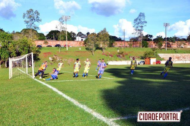 FUTEBOL AMADOR:Ubiratã vence mais uma no Claudinão e equilibra grupo após término do primeiro turno