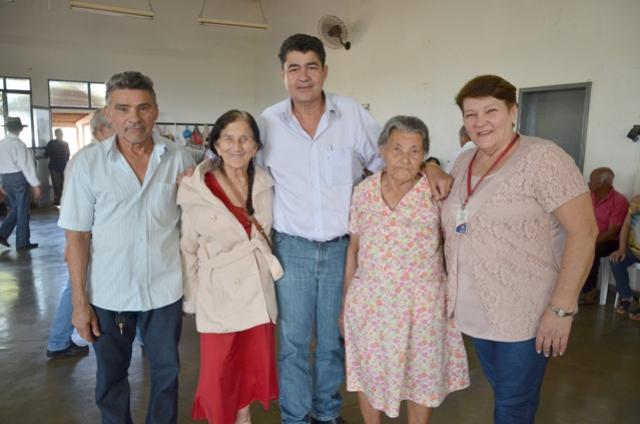 Vice Nil Pereira visita Centro de Convivência de Idosos que comemorou Dia dos Pais em Ubiratã