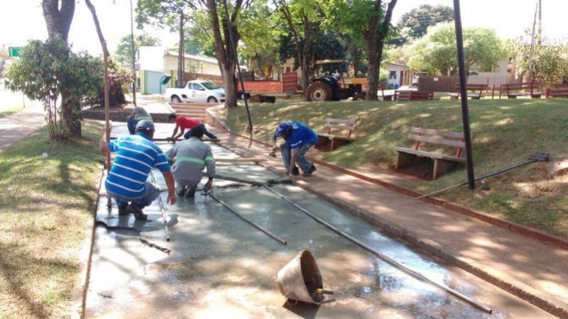 Revitalização da quadra de malha na Praça dos Pioneiros de Ubiratã