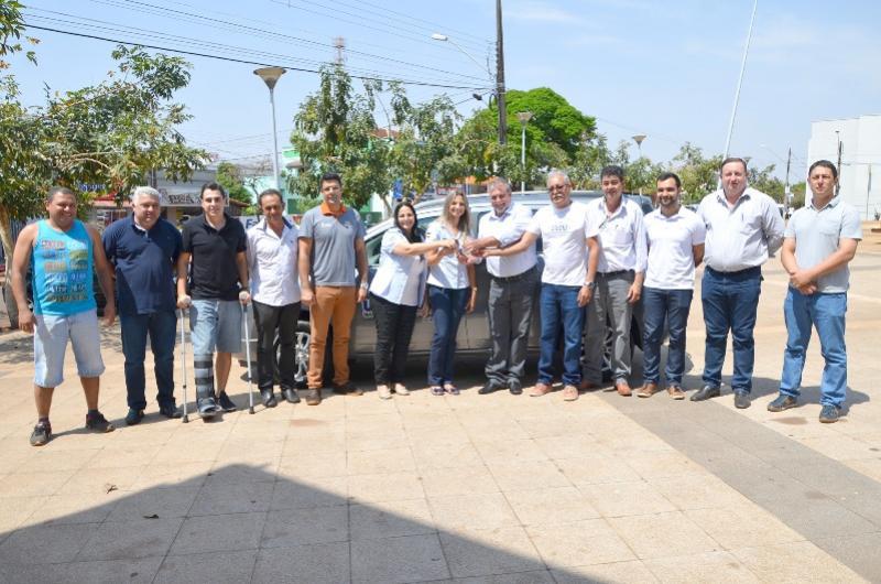 Administração municipal entrega mais um veículo 0KM para Saúde