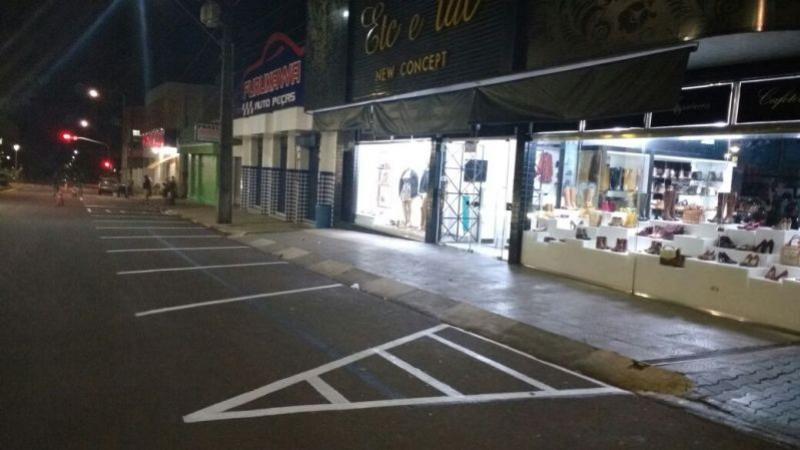 MUDANÇA:Estacionamento volta a ser em diagonal depois de concluído calçadão