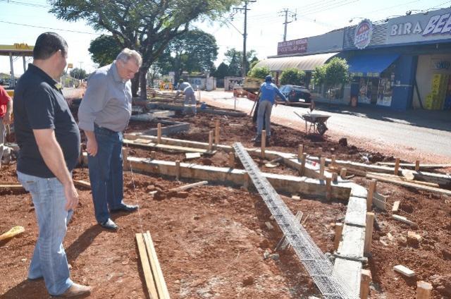 EM OBRAS:  Avenida Ascânio Moreira de Carvalho terá um calçadão